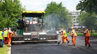Spațiile destinate parcării autovehiculelor din stațiunea Mamaia au fost reabilitate 