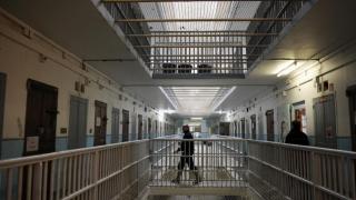 Record în Franța! Deţinuţii, de două ori mai mulţi decât locurile din închisori