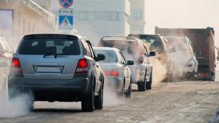 Reducerea cu 45% a emisiilor auto de CO2 până în 2030, nerealistă