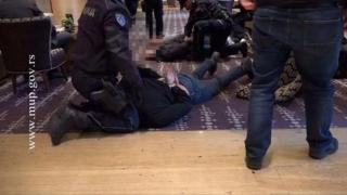 """""""Relele tratamente"""" aplicate deţinuţilor, o practică acceptată în Serbia?"""