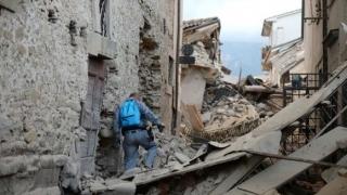 Sinistrații în urma cutremurului din Italia de duminică așteaptă să fie mutați