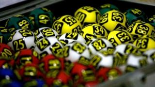 Report uriaș la loterie