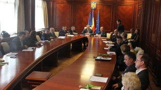 Reprezentanții instituțiilor deconcentrate, la raport!
