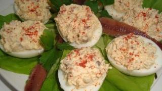 Ouă umplute, pentru o masă festivă