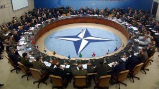 Miniștrii de externe din NATO se reunesc la Bruxelles