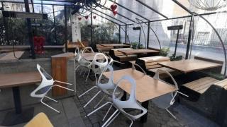 """Revolta unui patron care nu îşi deschide terasa pe 1 iunie: """"Nu îmi aduc angajaţii la muncă pentru 5 mese"""""""