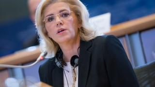 """Corina Creţu: """"România nu-şi permite luxul să se gândească la ieşirea din UE"""""""