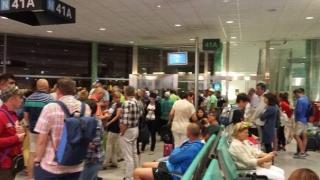 80 de turiști români blocați în străinătate,  aduși în țară
