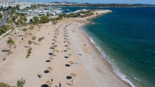 Românii care pleacă în vacanţă pe plajele din Grecia sau Bulgaria ar putea scăpa de cele 14 zile de izolare