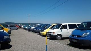 Românii cumpără și vând tot mai multe autovehicule