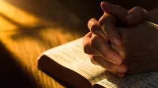 Rugăciunea care vindecă bolile grave și aduce liniște sufletească