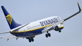 Piloţii Ryanair din Marea Britnie, îndemnaţi să se transfere în  România