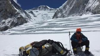 Să-i ţinem pumnii lui Horia, românul care scrie istorie pe Everest!