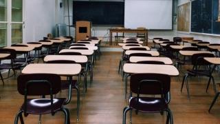 Asociaţii de elevi dezaprobă posibilitatea ca părinţii să îşi poată retrage copiii de la orele de