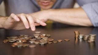 Bugetari, fiți prudenți la cheltuielile de Paște! NU vin salariile!