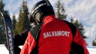 Misiunea de salvare a turiștilor blocaţi în Masivul Făgăraş, îngreunată de riscul de avalanşă