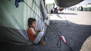 Salvați Copiii: Minorii refugiați în Serbia riscă să moară de frig
