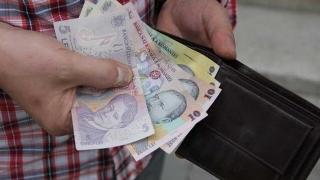 Trei salarii minime pentru aceşti tineri! Proiect legislativ