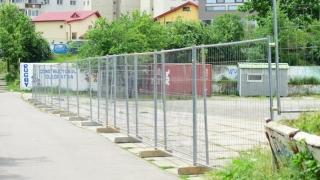 Primele amenajări la organizarea de şantier pentru lucrările la Sala Polivalentă