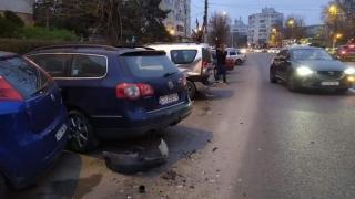 Șapte dintr-o lovitură. Șapte mașini a lovit un șofer băut, care a fugit de la locul accidentului