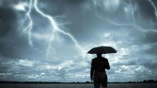 Sărbătoare națională cu furtună!