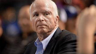 S-a stins John McCain! N-a vrut ca Trump să participe la înmormântare