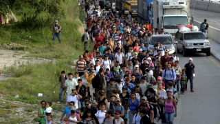 Scandal America Centrală - SUA! Peste 7.000 de oameni se îndreaptă inexorabil spre graniţă!