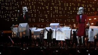 "Katty Perry a adus la gala Brit Awards ""scheletele"" lui Donald Trump și Theresa May"