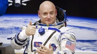 Cum a crescut astronautul american Scott Kelly 5 centimetri în spațiu?!