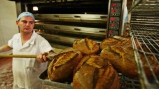 Pâinea noastră cea de toate zilele... se scumpește!