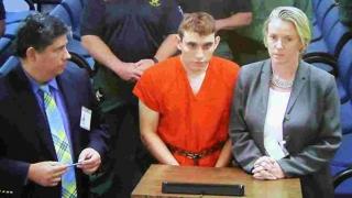 Se cere pedeapsa cu moartea pentru autorul masacrului de la liceul din Florida