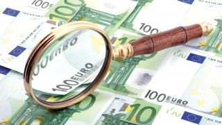 Investitorii străini au preferat sectoarele financiar, imobiliar și comercial