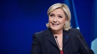 Şefa extremiştilor francezi salută dinamica extremiştilor germani! O fi bine?