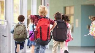Elevii intră în vacanţă! Când încep din nou cursurile