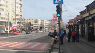 Atenție șoferi! De astăzi, trecerea de pietoni de la Tomis 3 este semaforizată!