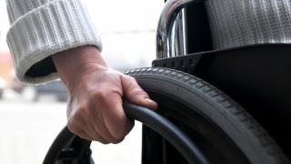 Semnal de alarmă! 4% din populația României are o dizabilitate