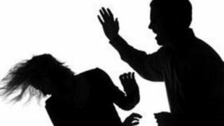 Instanţa poate dispune noi măsuri privind restricţia în cazurile de violenţă în familie