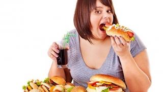 Senzația de foame vine de la… sete?!