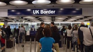 Se reintroduc vizele pentru români în Marea Britanie?