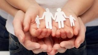 Se schimbă legea adopţiei. Ce modificări prevede proiectul