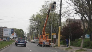 Se taie stâlpii de beton de pe bulevardul Mamaia
