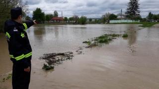 Se umflă Dunărea! Cernavodă - Hârşova, în pericol