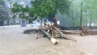 Sezonul furtunilor tropicale, deschis în forţă de Alberto! Mii de persoane au fugit din calea dezastrului!