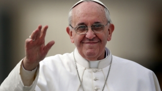 Sfat pentru post de la Papa Francisc: Biblia, purtată asemenea telefonului mobil