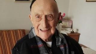 Supraviețuitor al Holocaustului, declarat cel mai bătrân bărbat de pe planetă