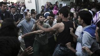 Sirienii și afganii s-au încăierat pe insula Lesbos