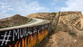 Situația scăpată de sub control la granița dintre Mexic și SUA