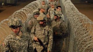 Trump va mobiliza armata SUA la frontiera cu Mexicul pentru blocarea imigranţilor