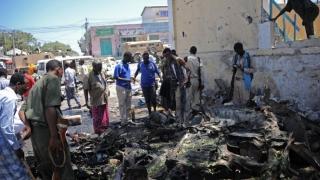 Atac sinucigaş în capitala Somaliei. Cel puţin 18 morţi