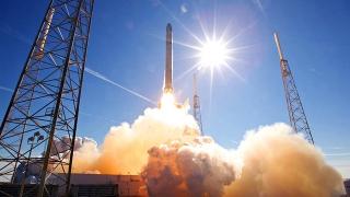 SpaceX a lansat cu succes o rachetă cu prima treaptă refolosită